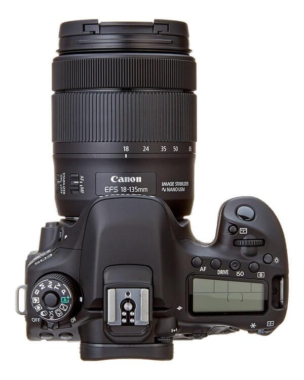 Canon EOS 80D - Vista superior de diales y pantalla auxiliar